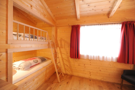 Familienzimmer mit Schalfkojen